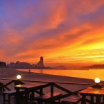 ザビーチのテラスから見る夕日